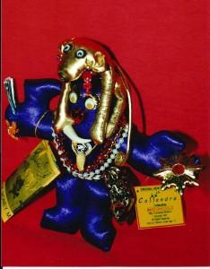 m_Gold Monkey, Purple Hand